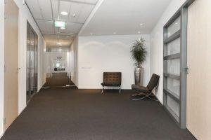 tapijt moorland investments 1 300x200 - Kantoor Moorland investements Almere. Leveren en aanbrengen van 970 m2 Vloerafwerking.